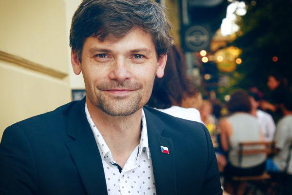 Marek Hilšer nebo TOP 09. Komu jsme pomohli ve volbách?